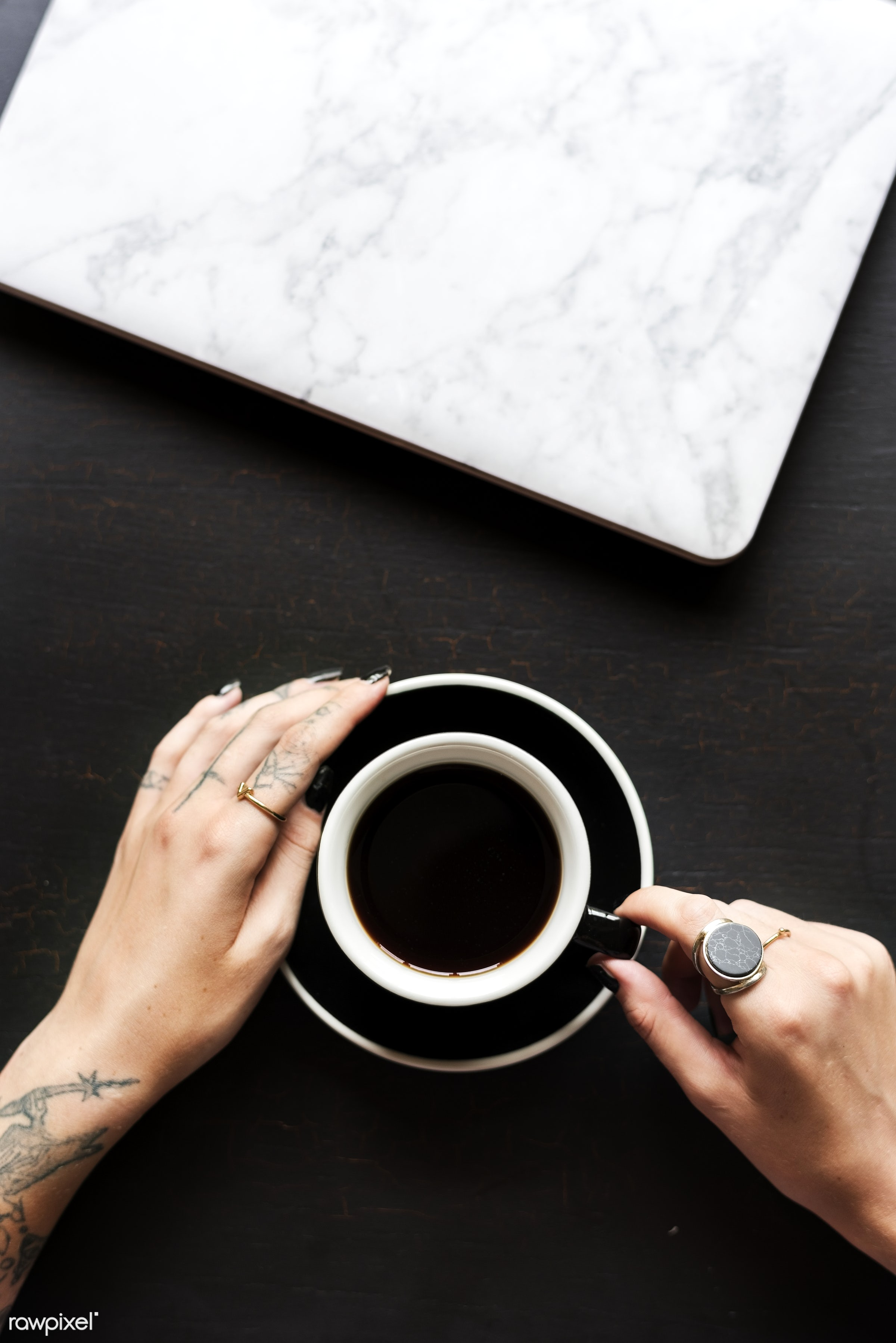 cup, marble, person, caffeine, relax, show, people, hand, break, life, style, hands, drink, lifestyle, laptop, tattoo,...