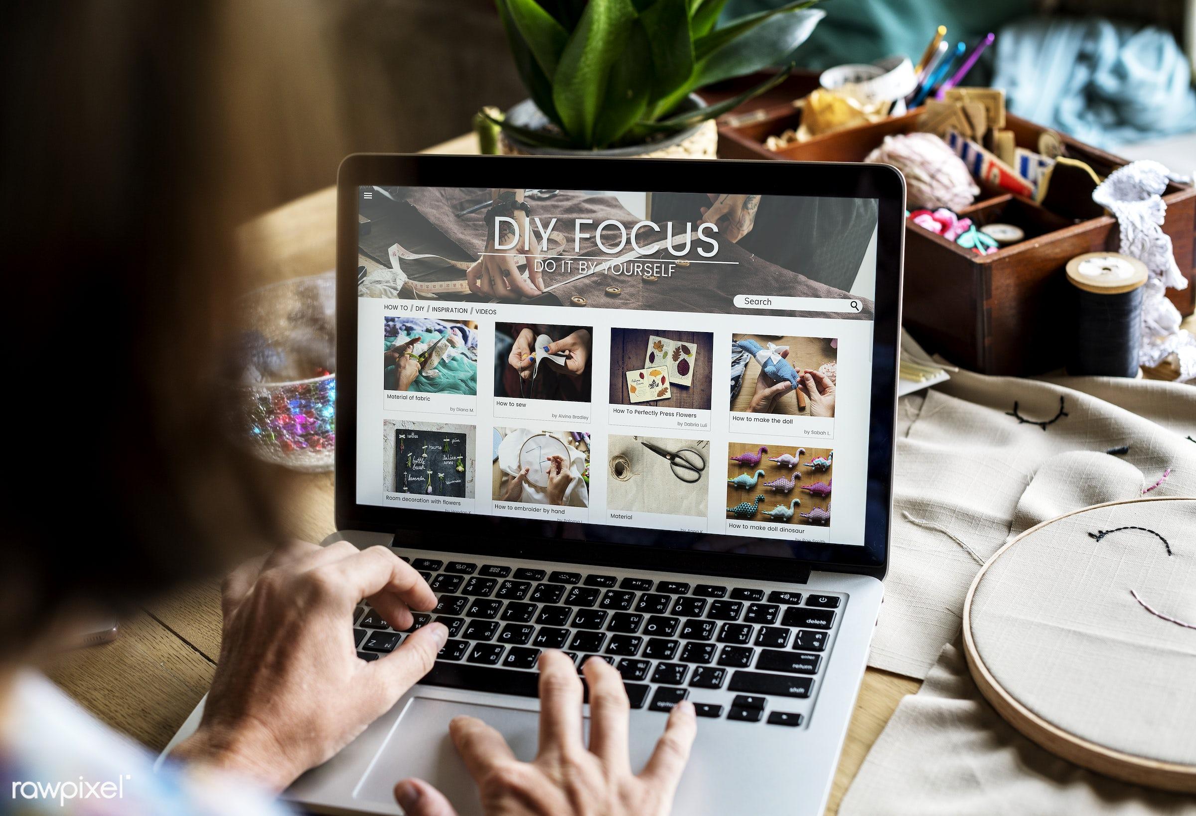 person, handicraft, homemade, handiwork, diy, online, hands, woman, casual, laptop, handwork, handcraft, needlework, website...