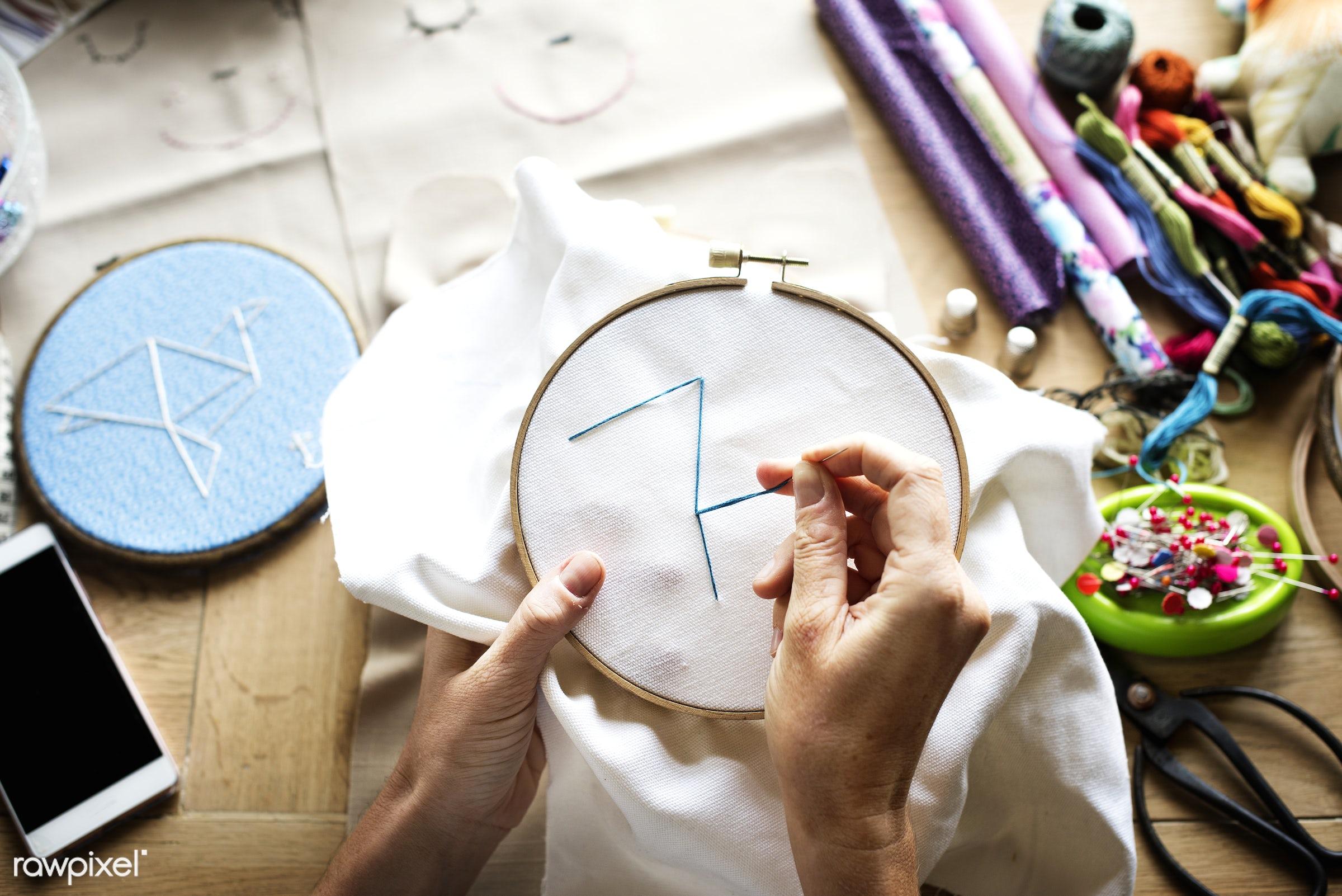 handicraft, homemade, handiwork, diy, accessory, hands, thread, handwork, embroidery hoop, closeup, handcraft, needlework,...