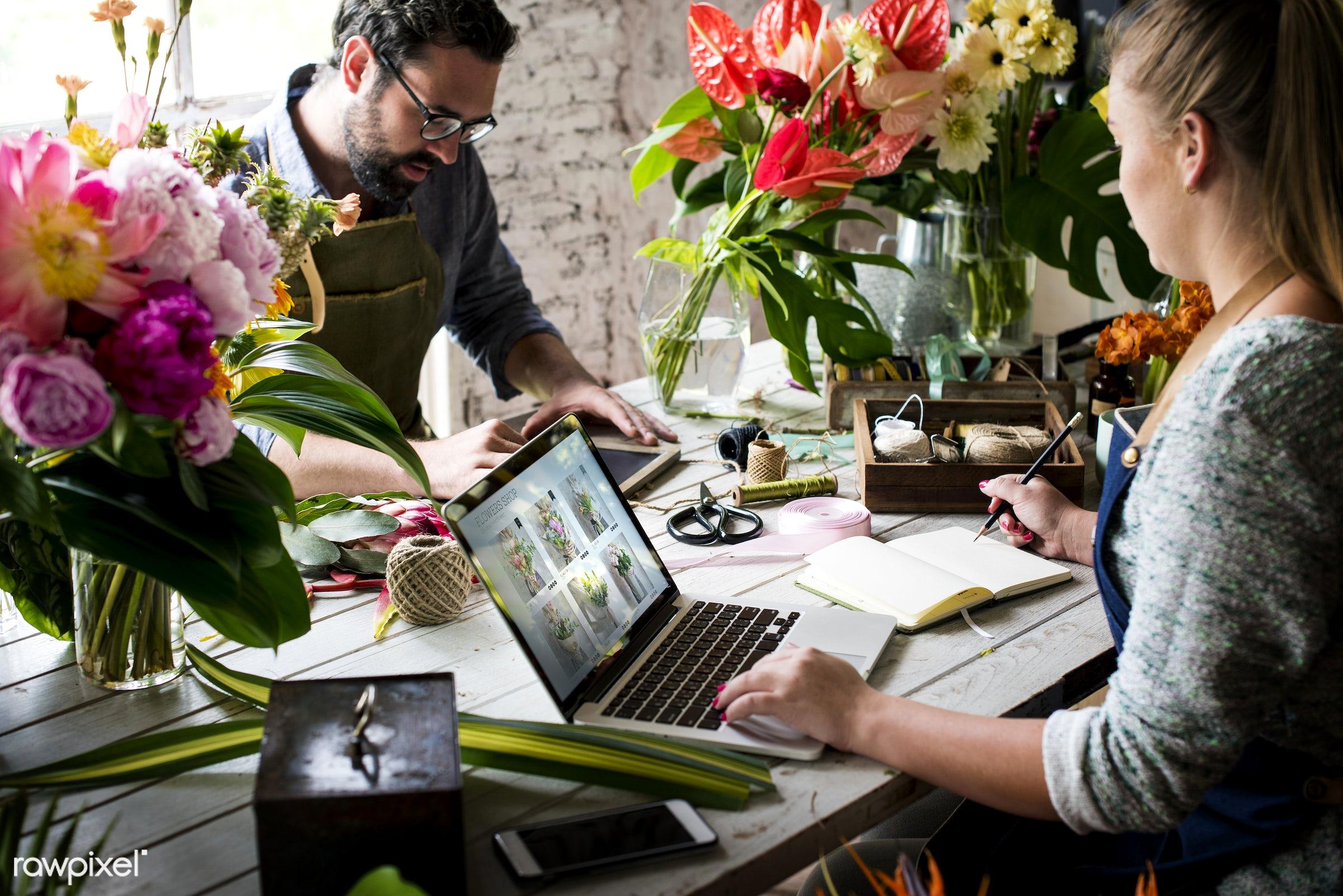 plant, technology, writing, fresh, laptop, couple, partner, flower, flora, decoration, refreshment, group of people, leisure...
