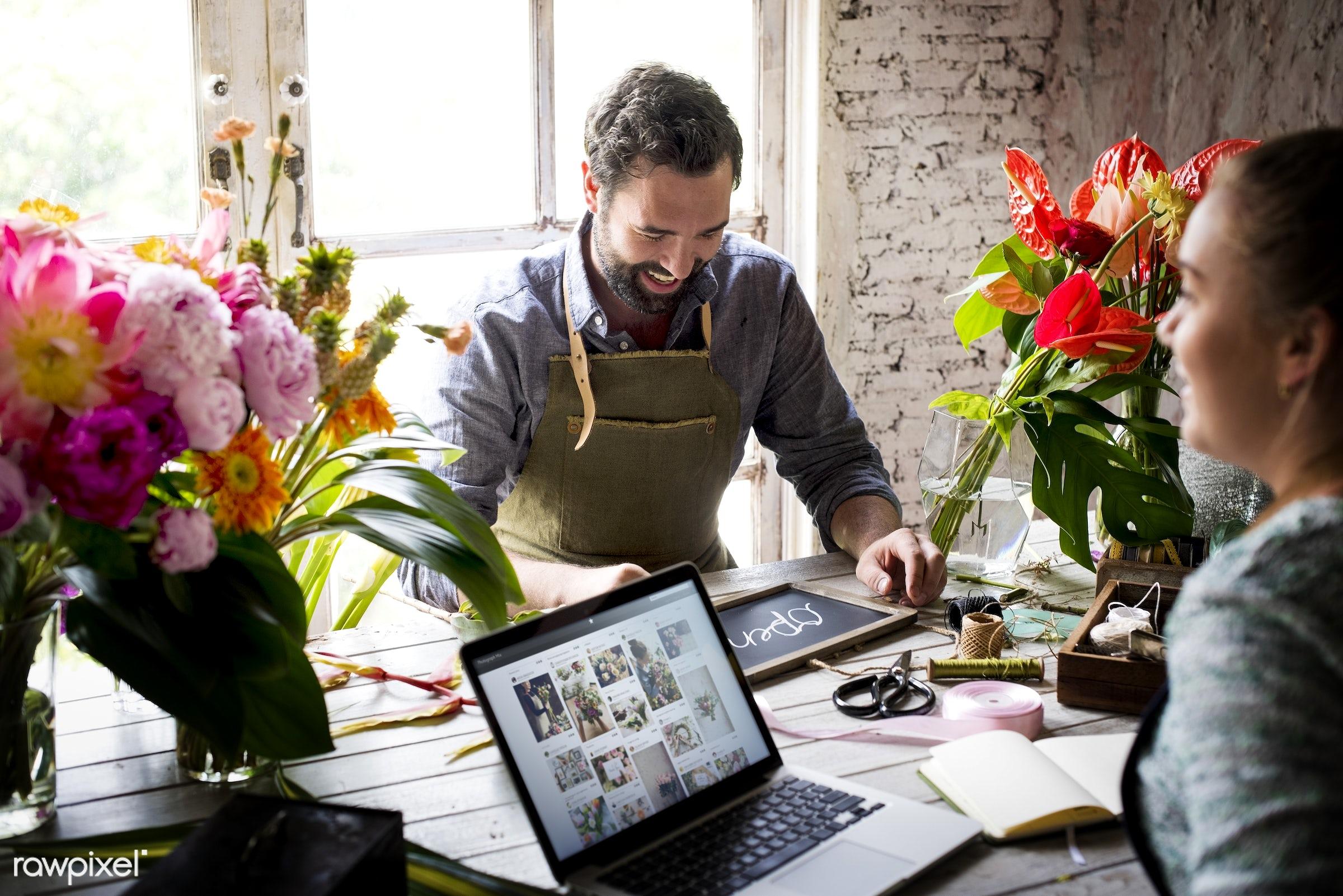 plant, technology, decoration, flora, refreshment, group of people, leisure, florist, recreational, fresh, laptop, partner,...