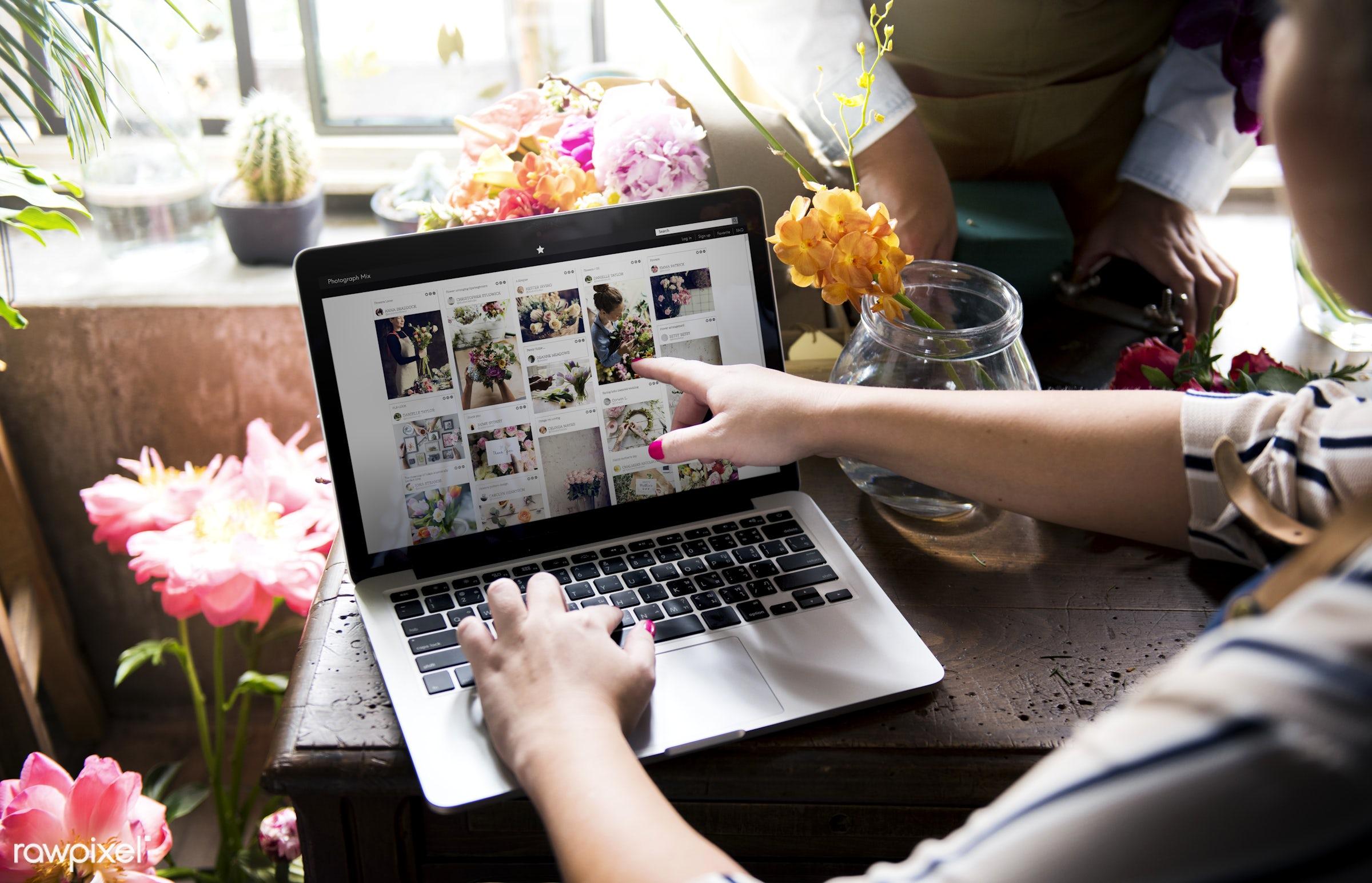 plant, person, technology, fresh, laptop, couple, partner, flower, flora, decoration, refreshment, group of people, leisure...