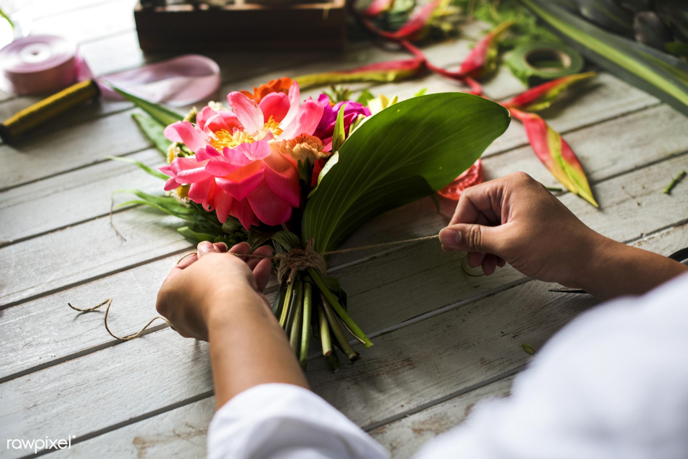 plant, bouquet, person, fresh, hands, flower, flora, decoration, refreshment, leisure, table, florist, flower shop, wooden,...