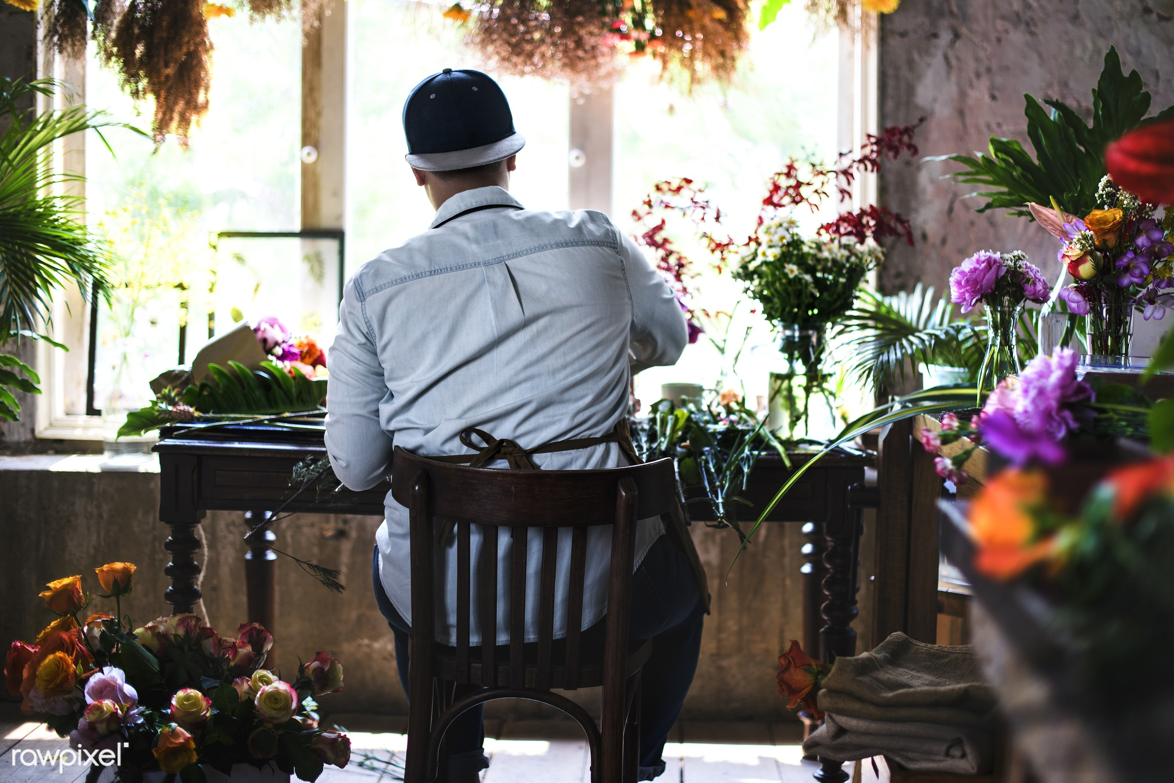 plant, bouquet, person, fresh, flower, man, rear view, flora, decoration, refreshment, leisure, table, florist, flower shop...