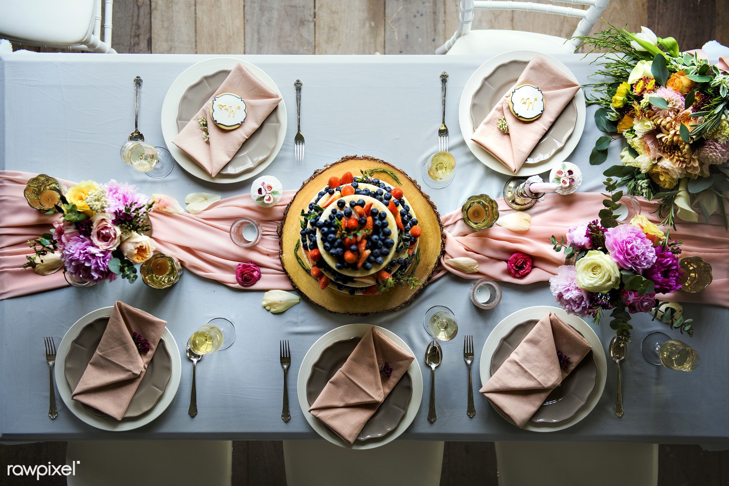 nobody, blue cloth, bouquet, detail, top view, flatlay, paper, cutlery, restaurant, party, bakery, banquet, aerial view,...