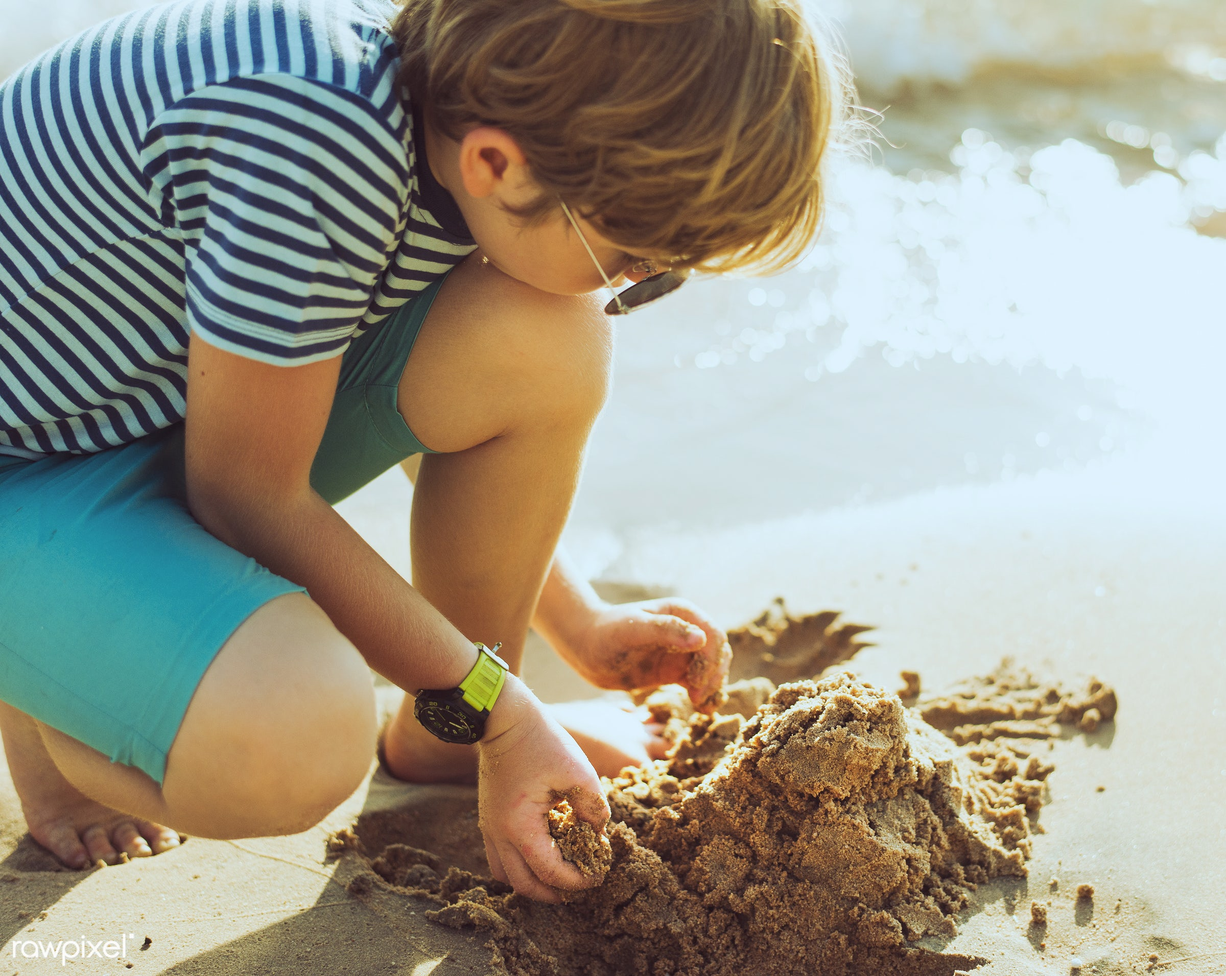 shore, beach, kid, child, playing, nature, sand, crouch, sea, fun, young, holiday, vacation, bay, summer, boy