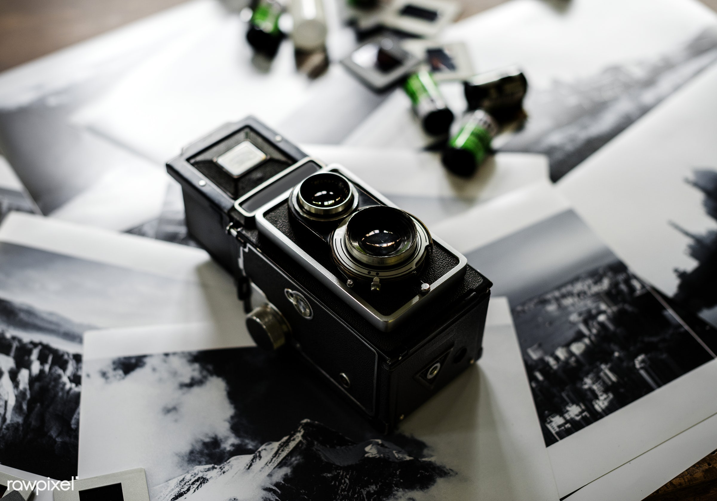 film, vintage, camera, hobby, retro, leisure, photography, hands, photographer, closeup, classic