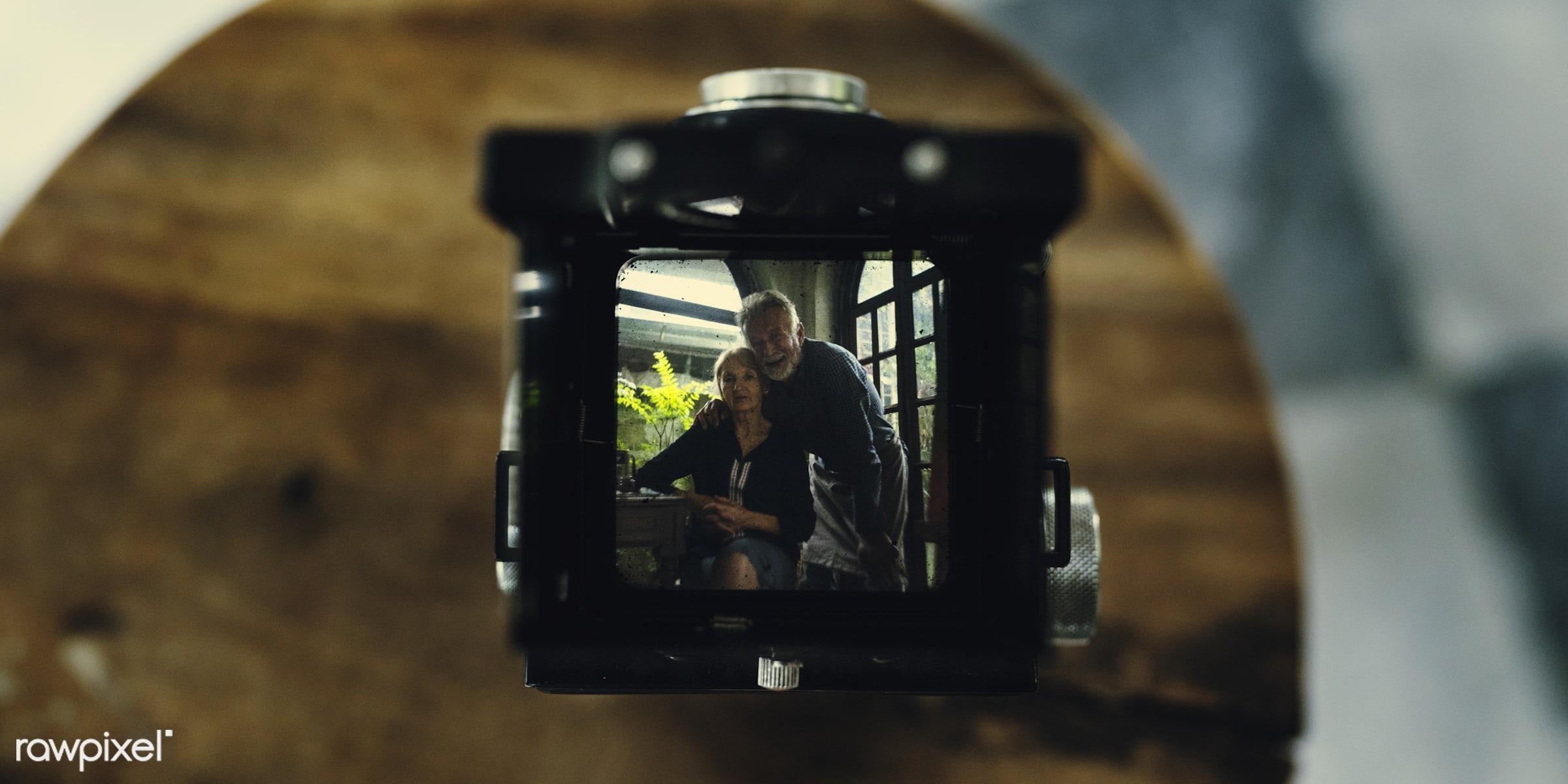film, vintage, camera, hobby, retro, leisure, photography, hands, photographer, classic, closeup