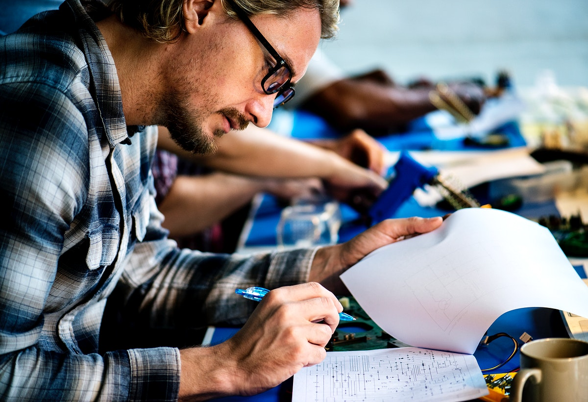 Technician study circuit pattern guide line paper
