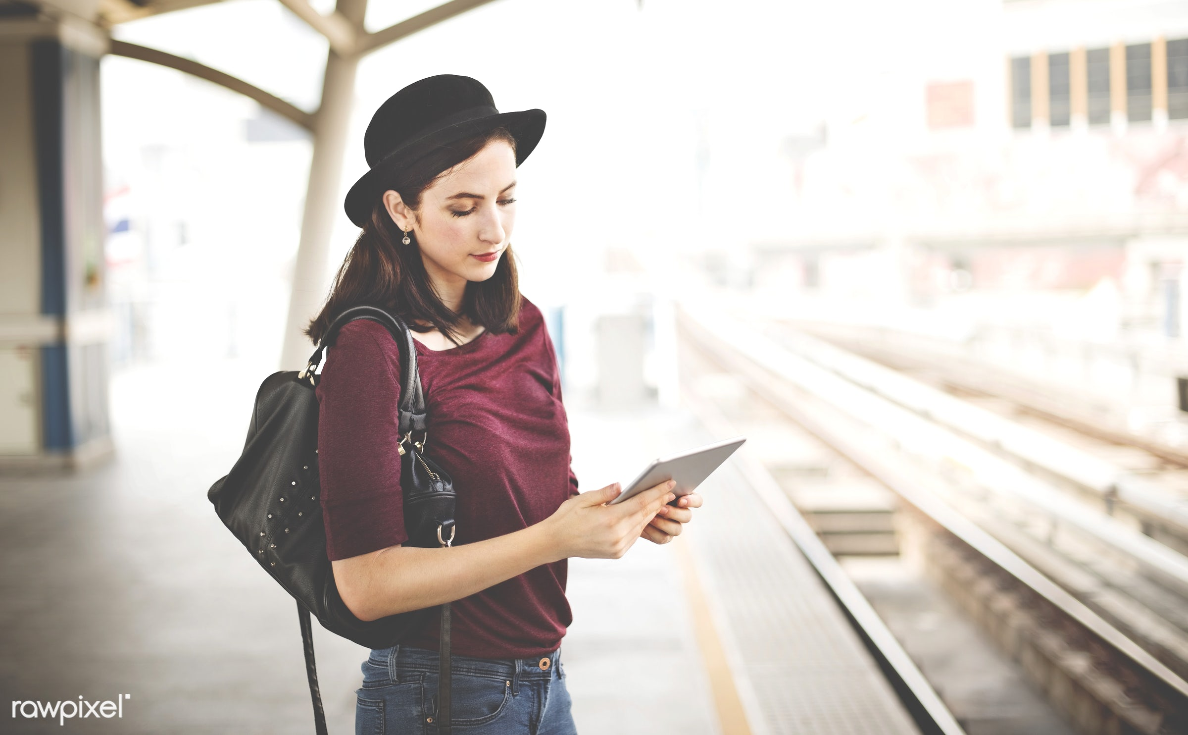 holding, lifestyles, casual, city, city life, commuter, connection, destination, device, digital tablet, internet, location...