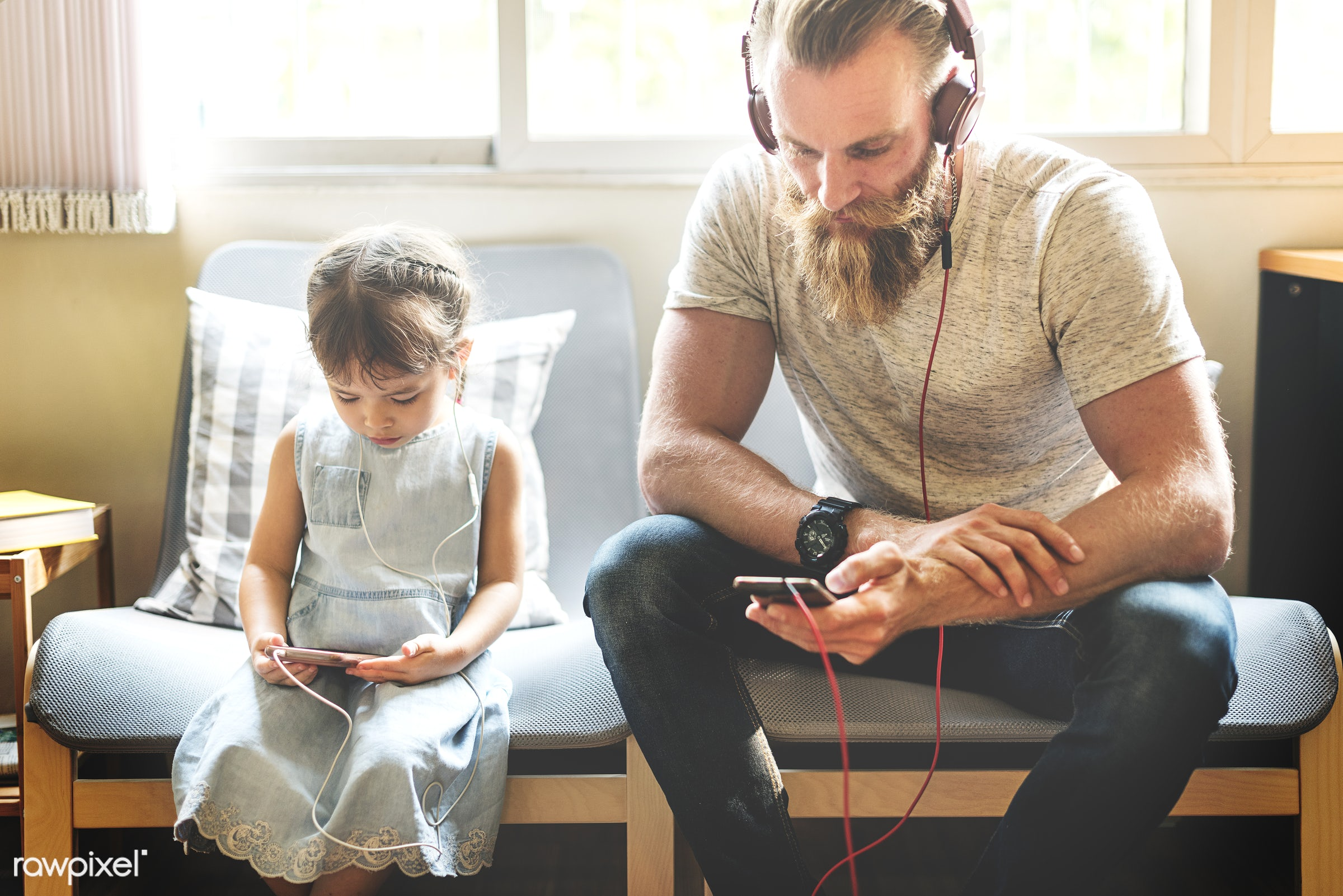 dad, music, adolescence, bonding, browsing, cheerful, child, childhood, communication, connection, cute, daughter, earphone...
