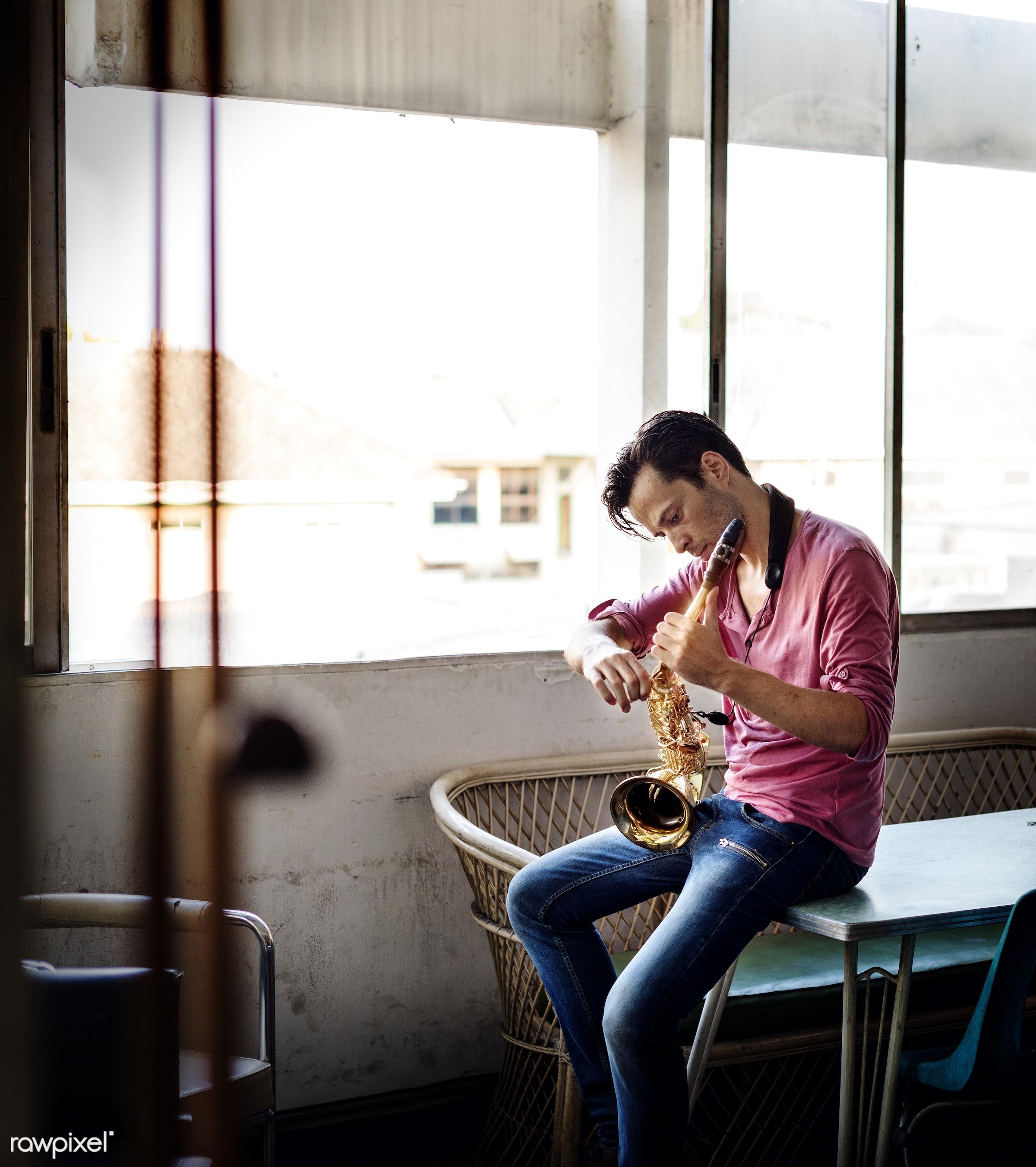 rehearsal, playing, saxophone, performance, musician, tuning, alone, man, music, saxophonist, jazz, hobby, leisure,...
