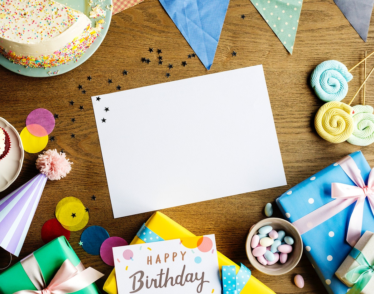 Birthday party table and card copy space