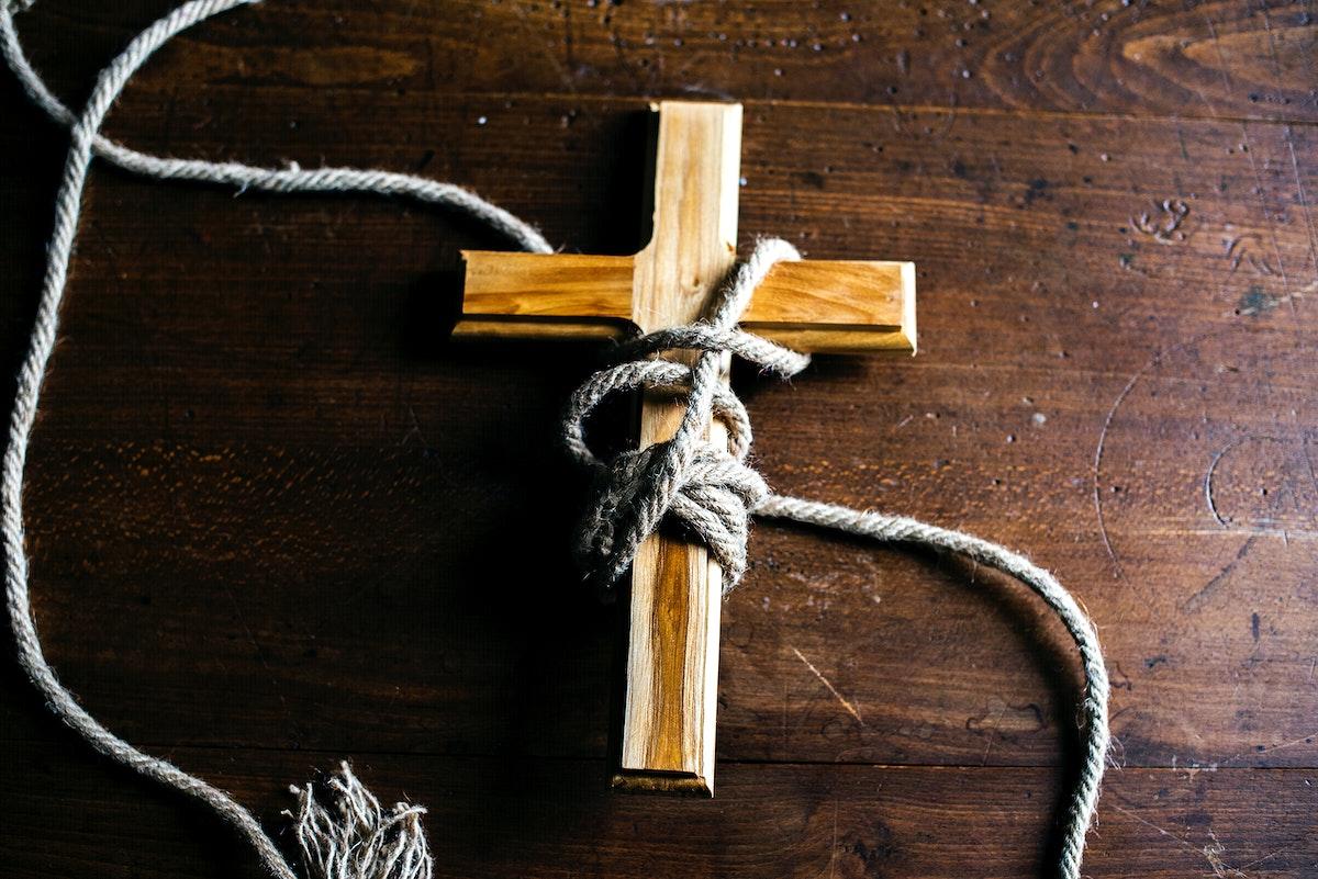 Tied cross