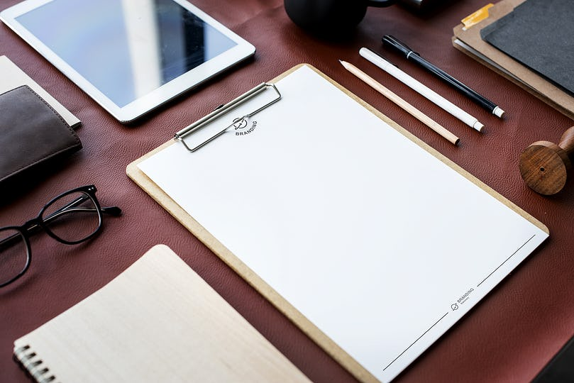 Blank clipboard sheet page for an ideas