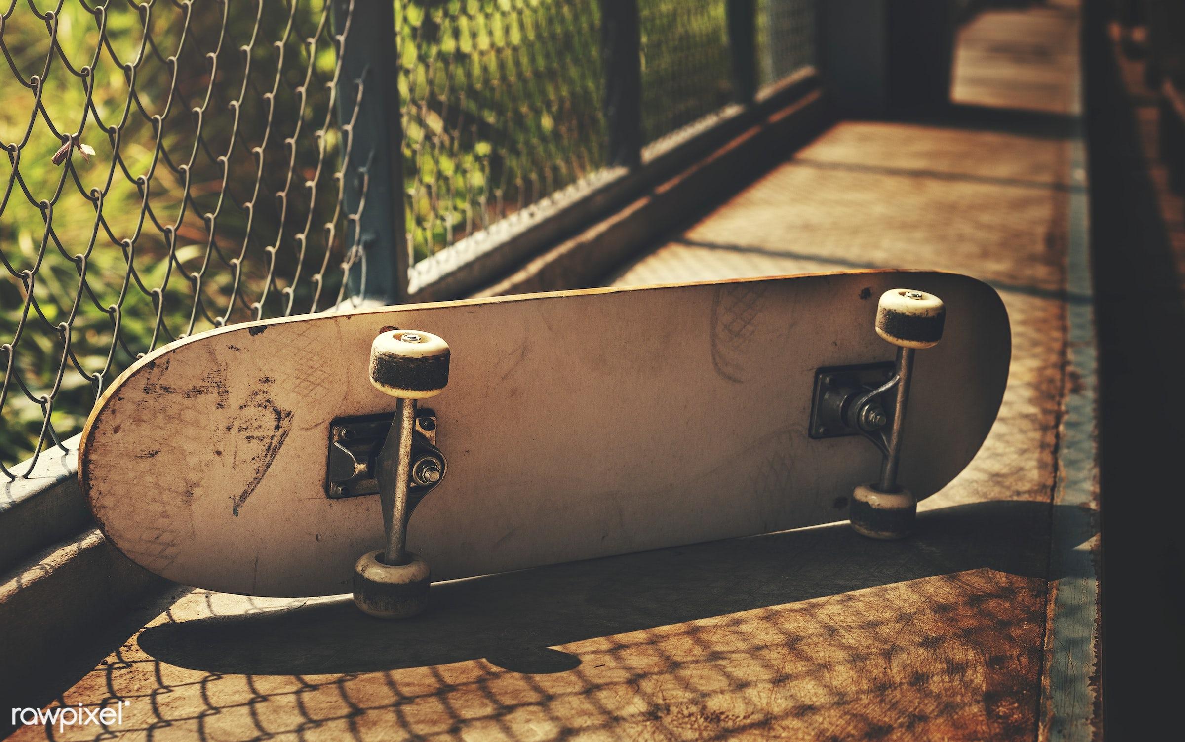 extreme sport, nobody, wheels, hobby, equipment, skateboard, skatepark, floor, side, outdoors, closeup, activity, sunbeam