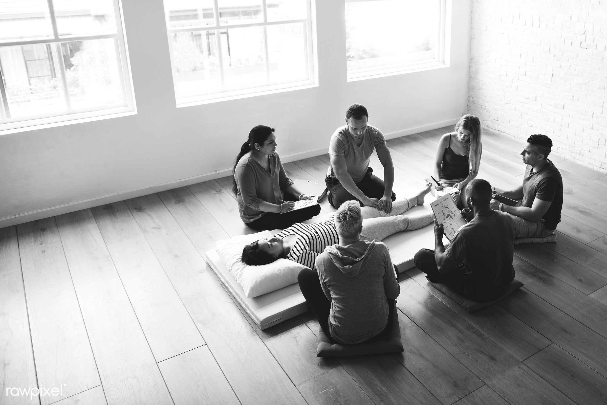 position, person, knowledge, black and white, relax, treatment, indoors, massaging, masseur, people, comfortable, training,...