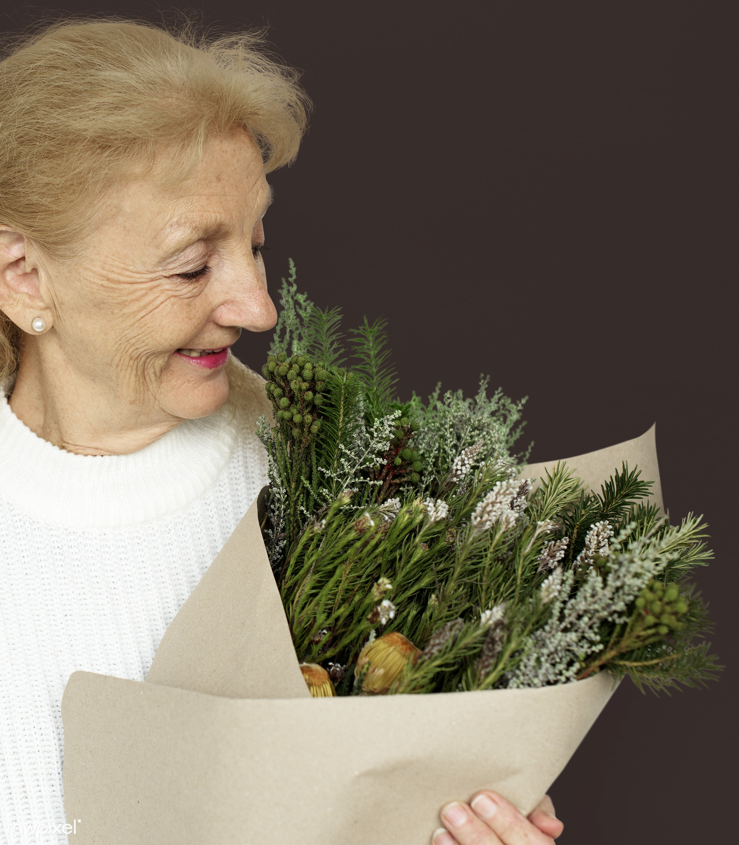 studio, expression, bouquet, person, people, woman, smile, cheerful, smiling, flower, isolated, happiness, portrait, emotion...