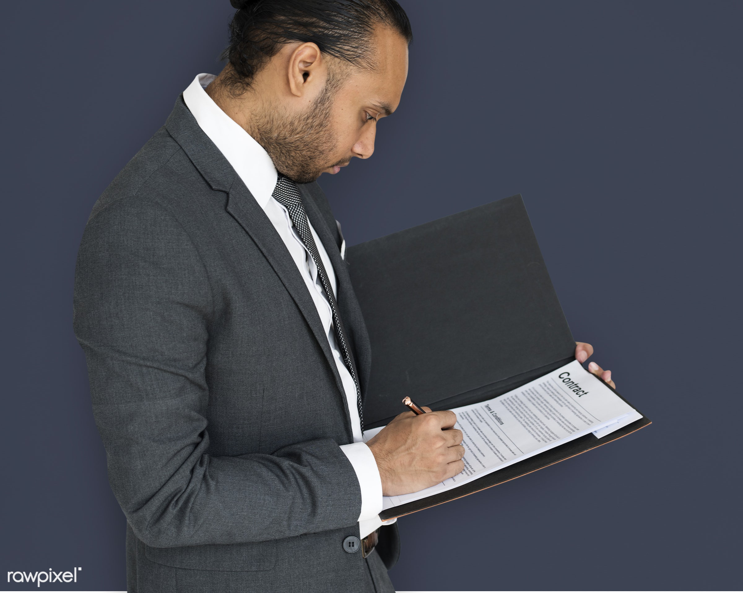 studio, expression, person, business wear, side view, concentrating, people, formal dressing, business, asian, signing, side...