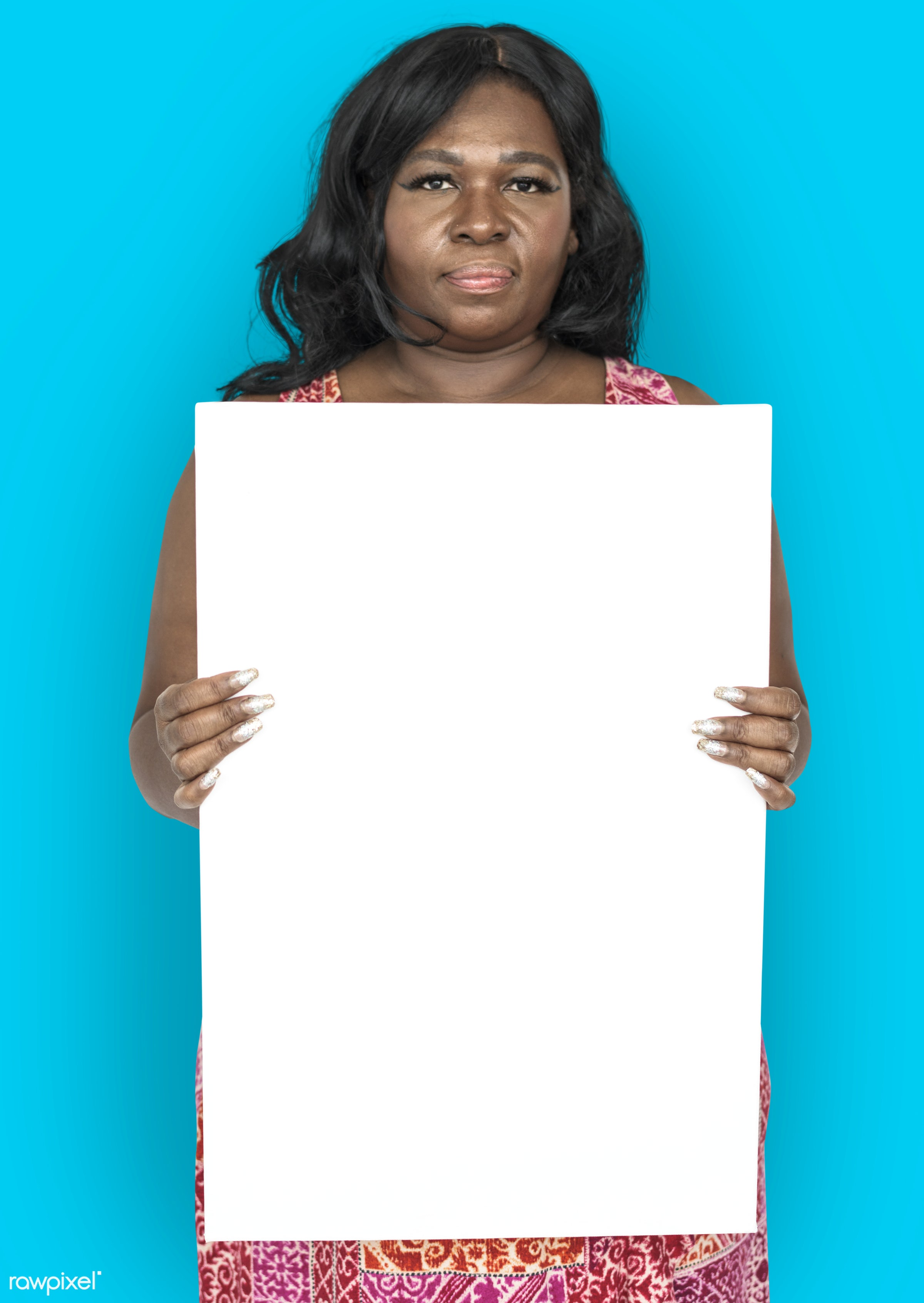 studio, expression, person, holding, paper, people, girl, solo, woman, empty, serious, black, unhappy, isolated, blank,...