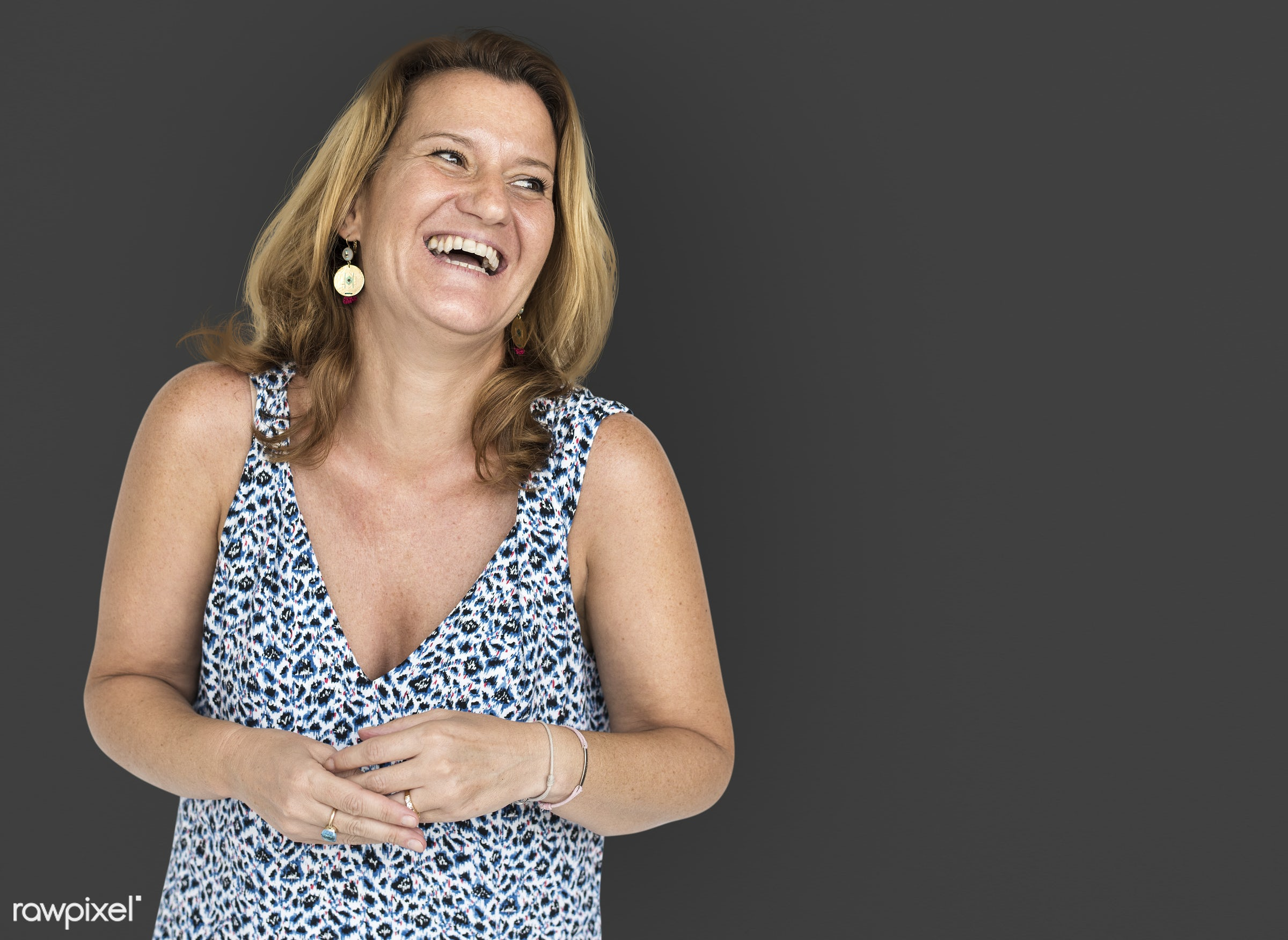 studio, model, person, people, race, style, solo, woman, lifestyle, casual, feminism, smiling, isolated, gesture, happiness...