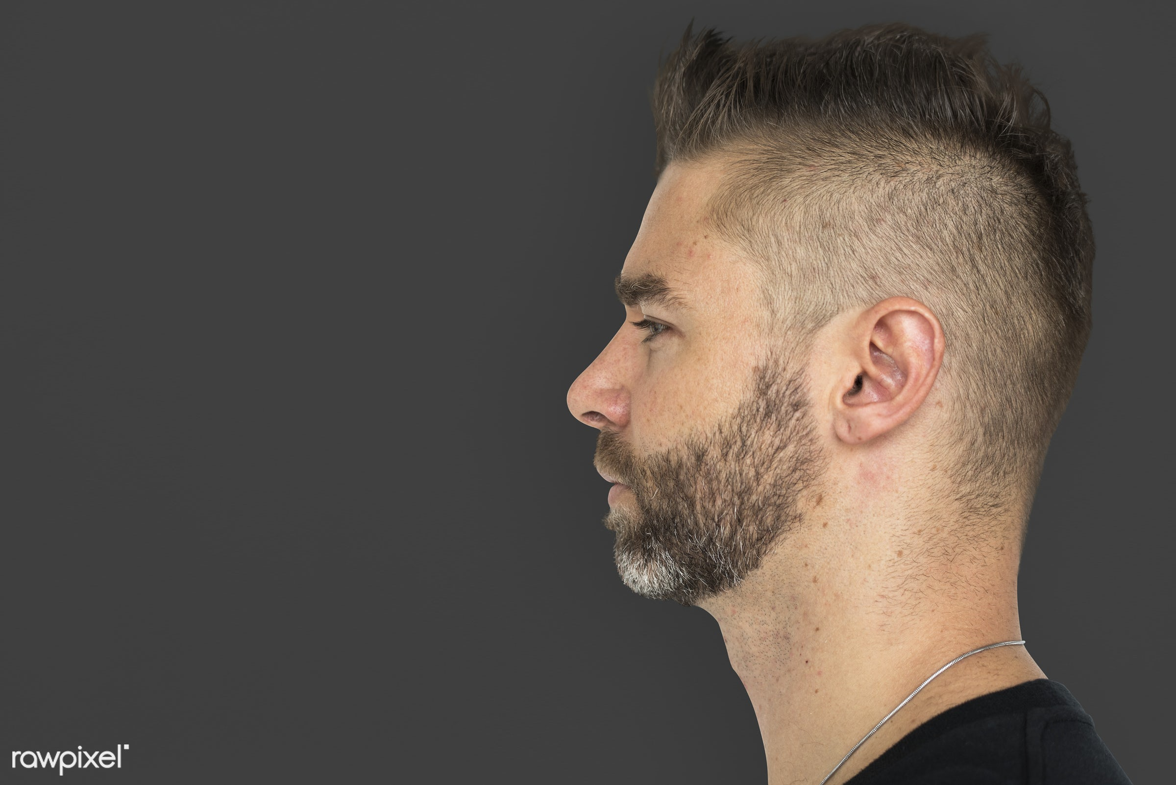 expression, studio, face, necklet, person, single, copyspace, people, caucasian, face expression, style, solo, side,...