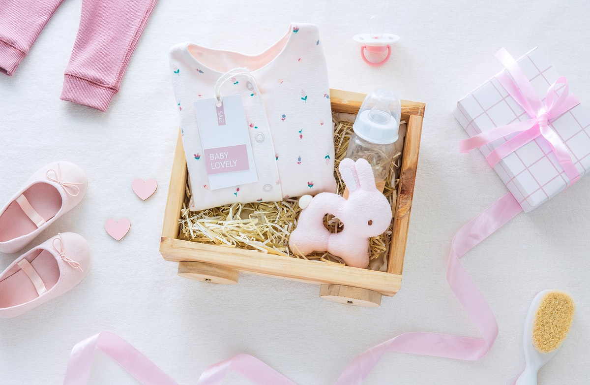 Baby shower pink theme