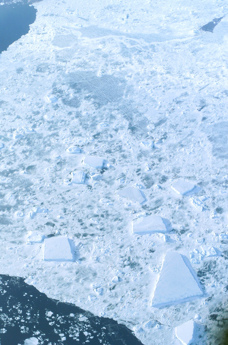The Larsen Ice Shelf in Antarctica viewed from NASA's DC-8 aircraft during the AirSAR 2004 campaign . Original from NASA.…