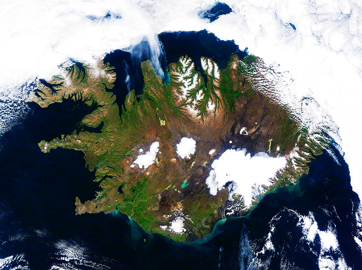 On August 22, 2014 the Moderate Resolution Imaging Spectroradiometer aboard NASA's Terra satellite captured a true…