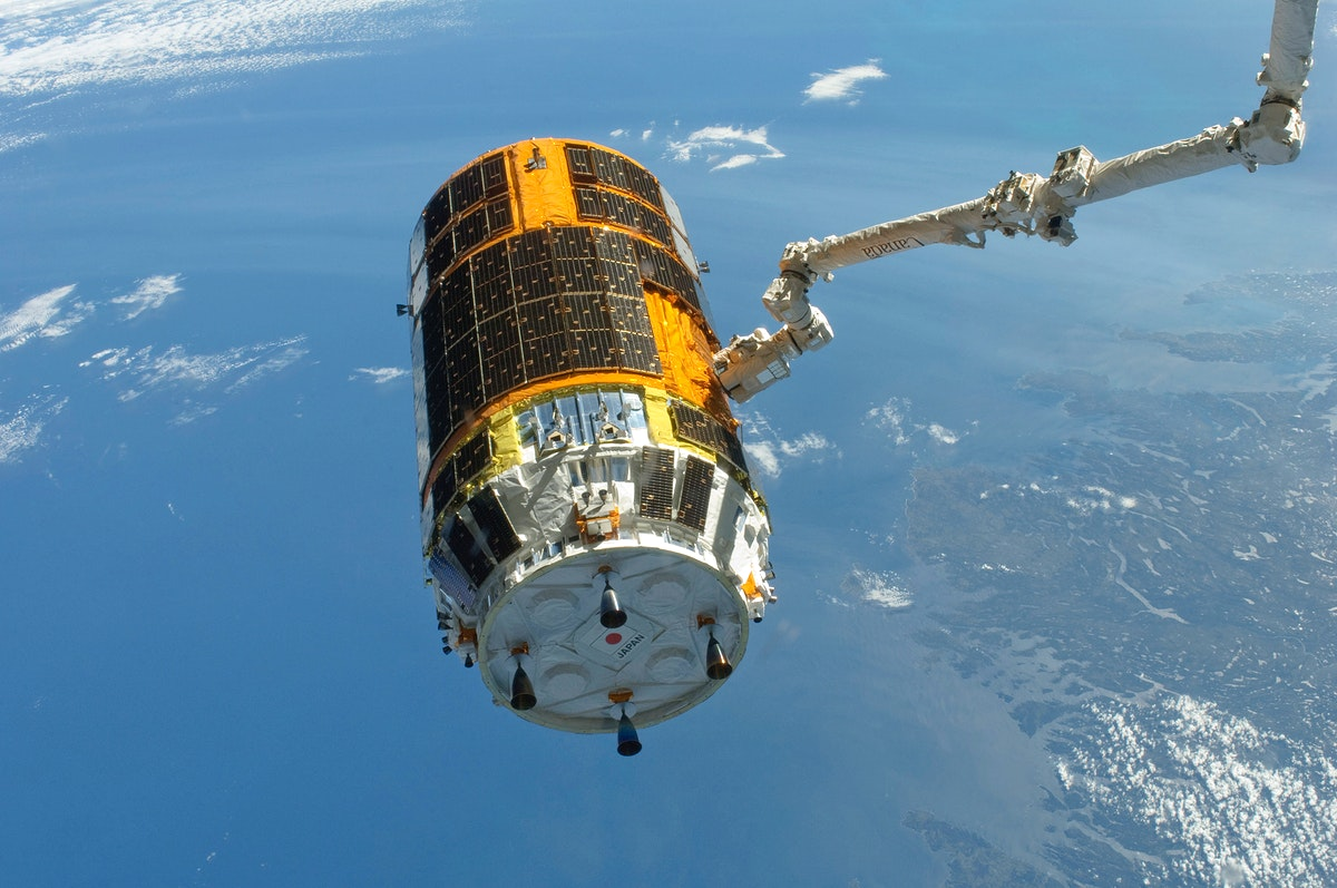 The International Space Station's Canadarm2 unberths the unpiloted Japan Aerospace Exploration Agency (JAXA) H-II Transfer…