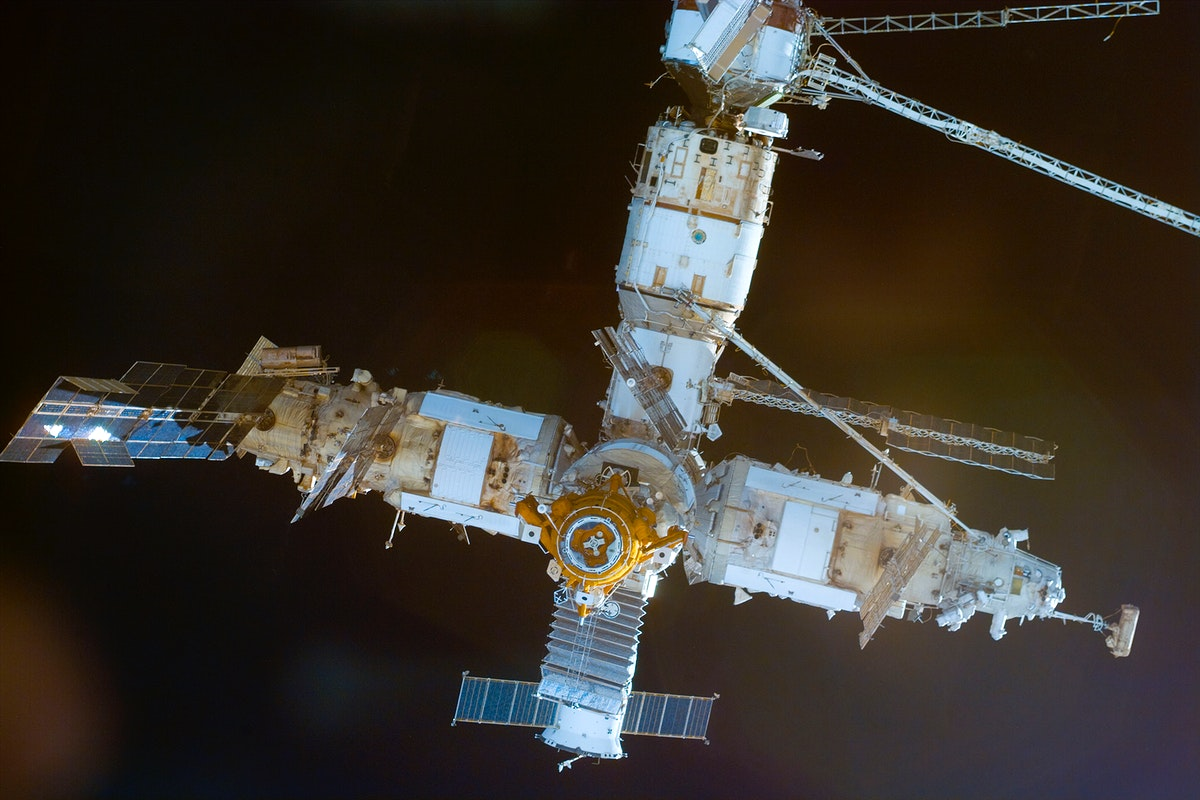 The Mir Space Station rapidly approaches the  NASA-Mir link-ups., 24 January 1998. Original from NASA. Digitally enhanced by…