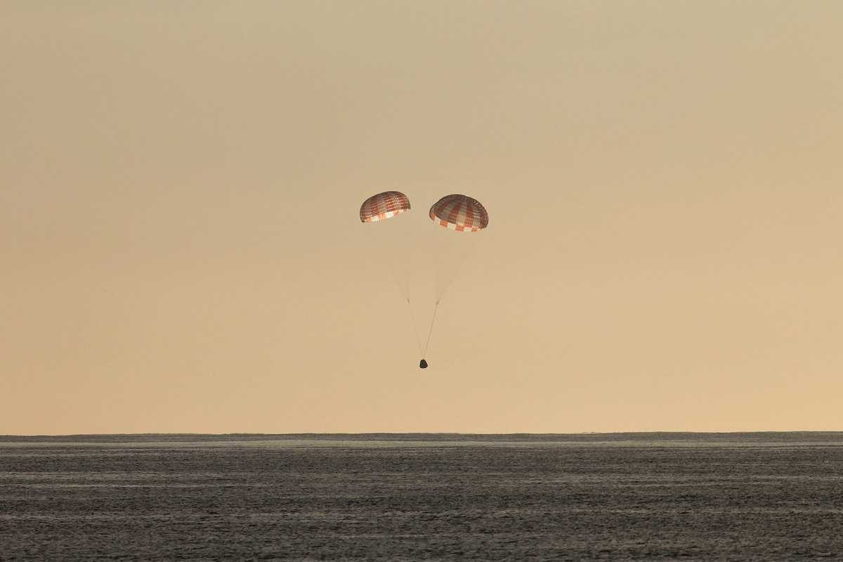 CRS–10 Dragon (2017). Original from Official SpaceX Photos. Digitally enhanced by rawpixel.