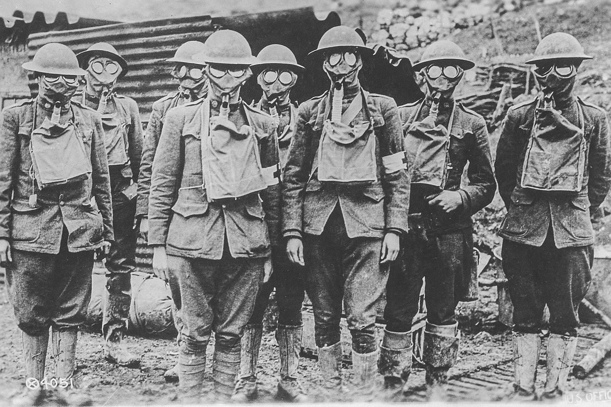 The American Soldiers in Presence of Gas suring World War I (1918). Original image from National Museum of Health and…