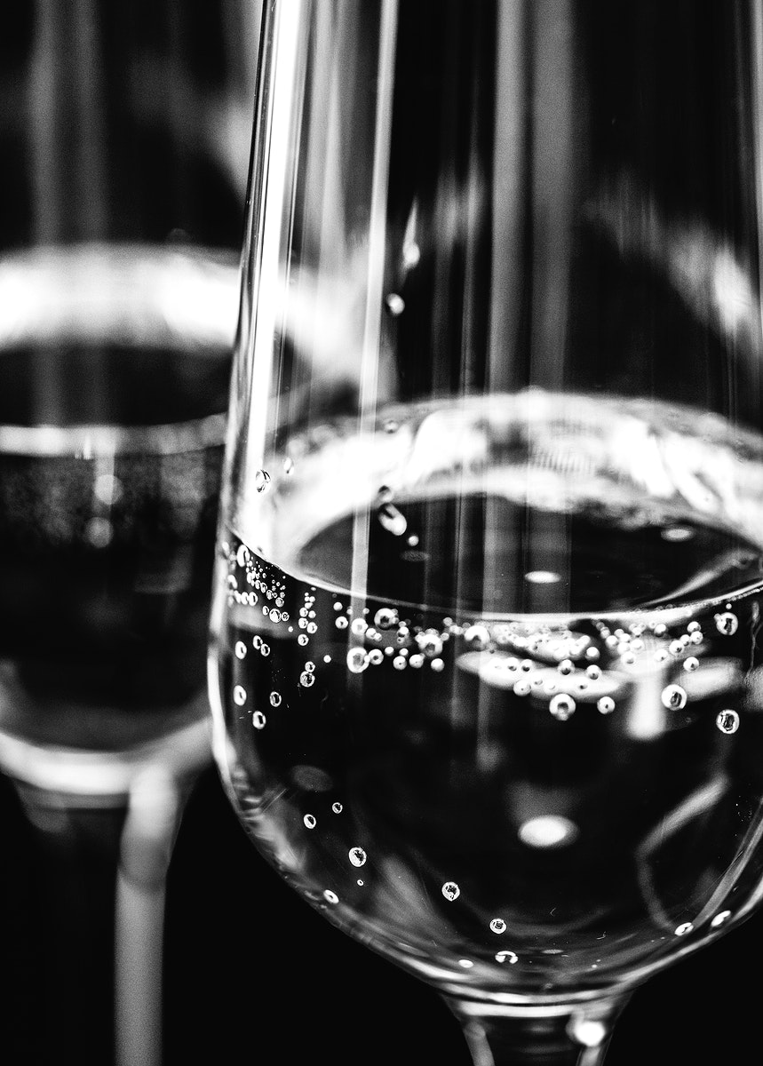 Two glasses of sparkling wine macro photography