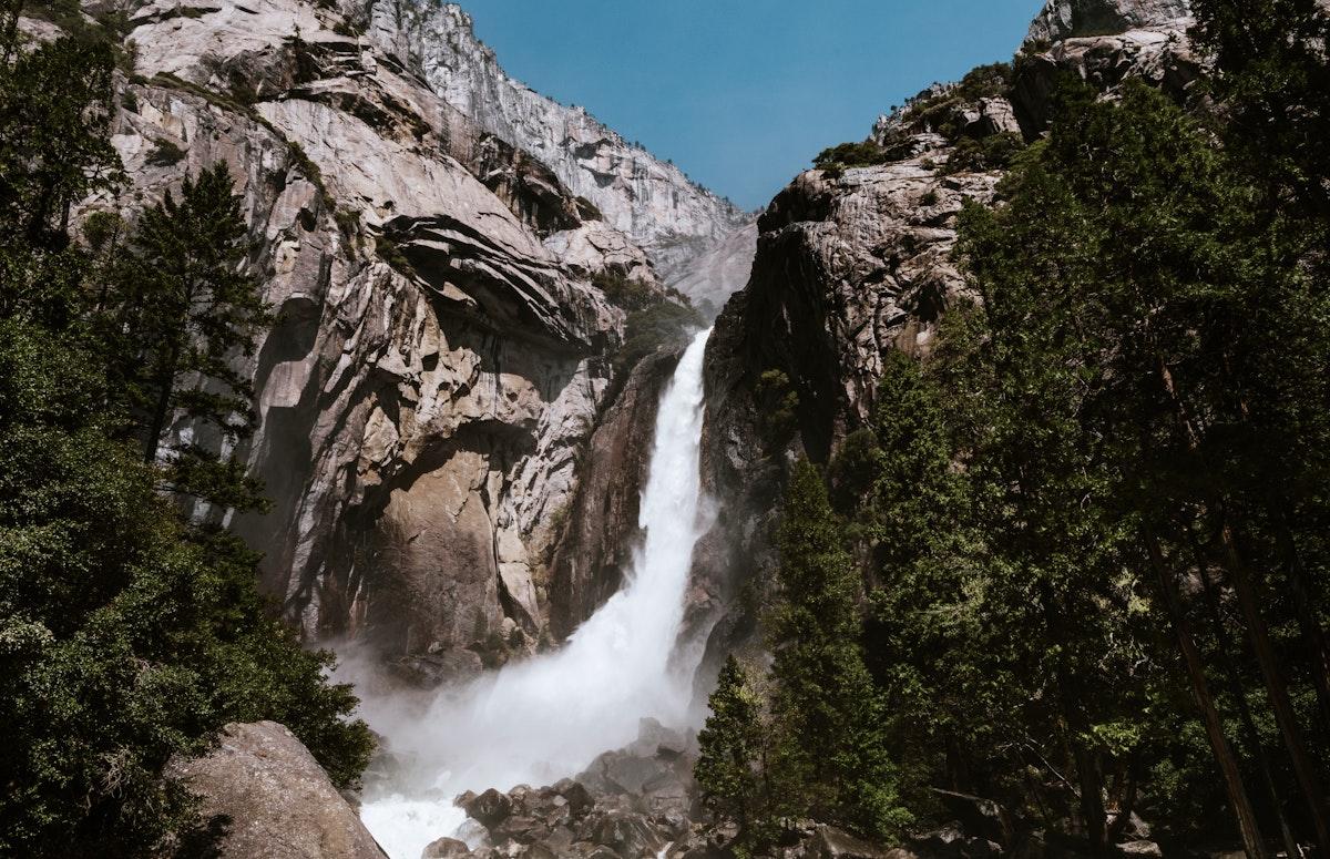 Waterfalls and a mountain in Yosemite