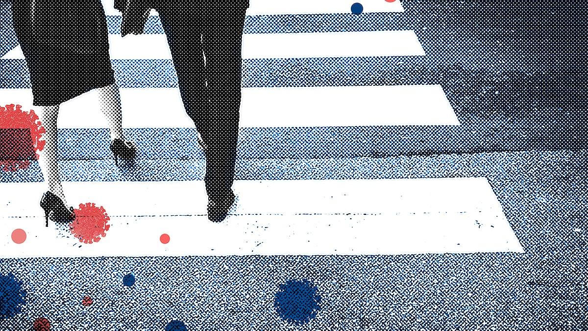 Crowd walking in Tokyo during coronavirus pandemic