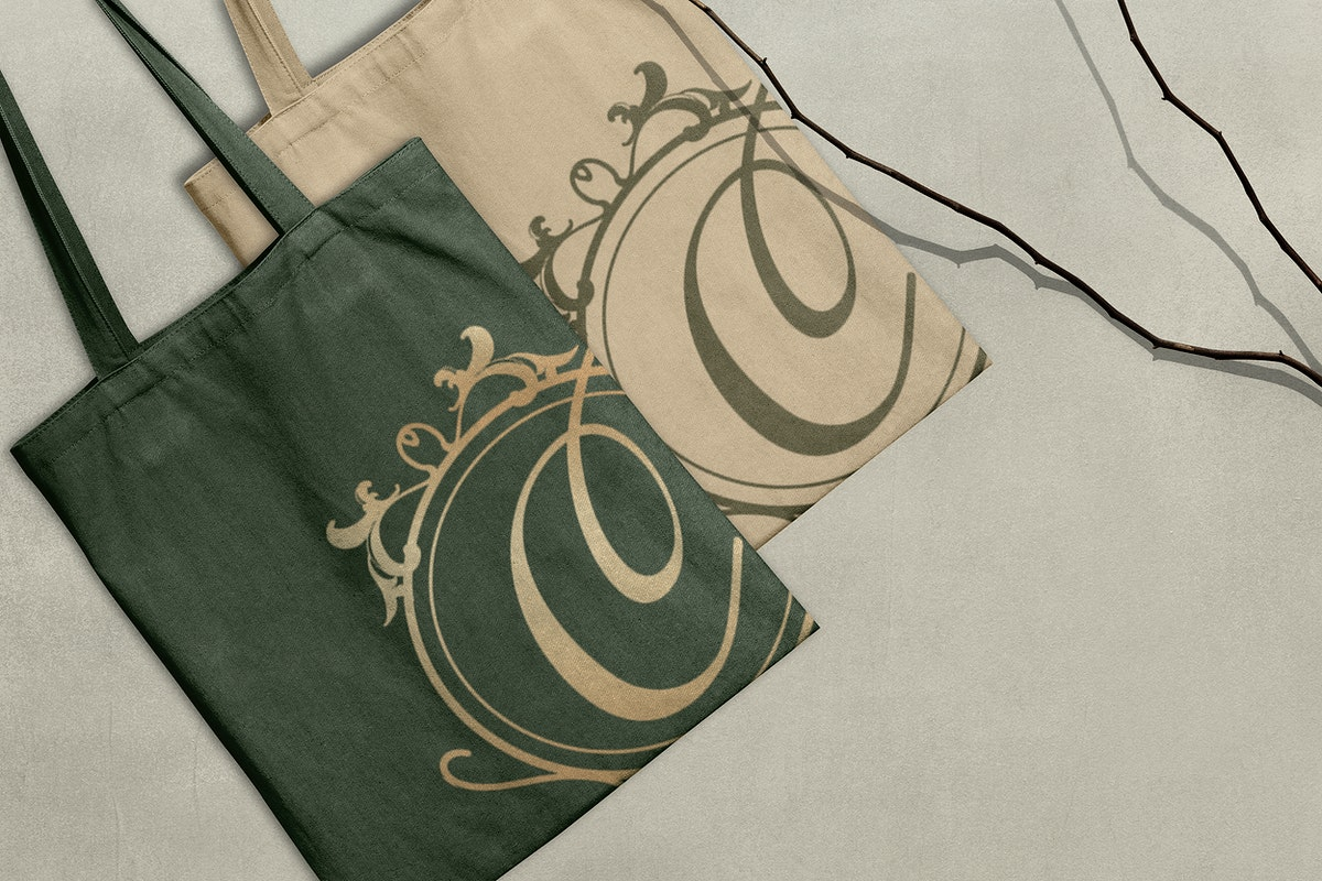 Canvas tote bag mockup psd in luxury style