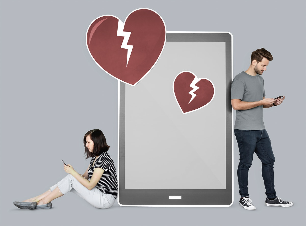 Couple breaking up via texting