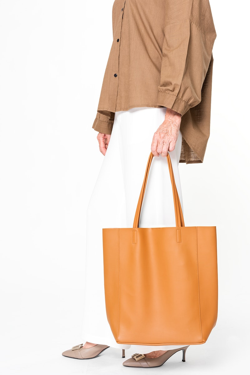 Brown tote bag psd mockup leather women's apparel