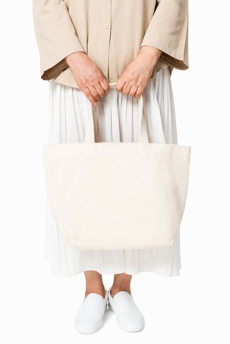 Beige tote bag psd mockup women's apparel